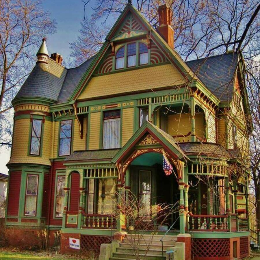 Fresh Paint on a Fresh Paint on a Historical Home in Bloomington Illinois